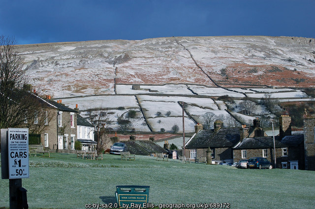 photo of Fremington Edge as seen from Reeth is Copyright Ray Ellis